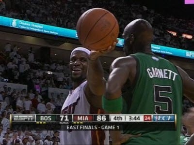 how many fouls to foul out nba-2