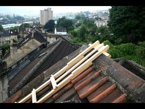 how to make a roof ladder hook-0