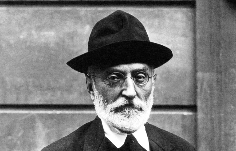 who is miguel de unamuno and what is his association with the university?-1