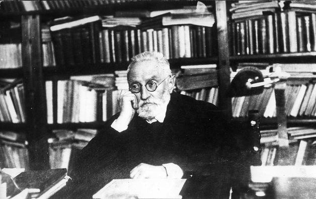 who is miguel de unamuno and what is his association with the university?-3