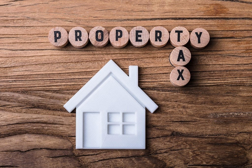 who pays property taxes when a house is sold-0
